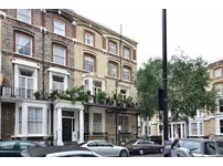 1 bed flat to rent,Cheniston Gardens