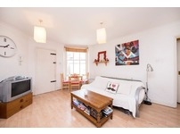 Fully furnished Two Bedroom flat to Let in Voltaire Road, Clapham, SW4 6DQ