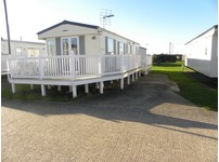 Great all in caravan package for sale  on kent coast direct beach access near dymchurch