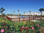 A 2 BEDROOM 2 BATHROOM RENTAL OVERLOOKING GARDENS AND POOL IN MURCIA SPAIN. LONG TERM CONSIDERED.