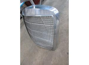 Front grill Mercedes 280 SE W108