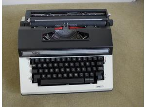 Brother 3912  Electric Typewriter.