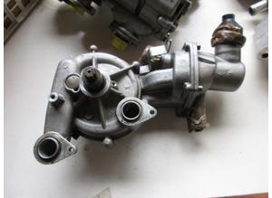 Water pump with thermostat for Lamborghini Gallardo
