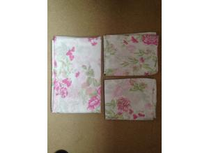 New kid's flat sheet with two matching pillowcases