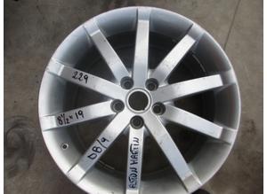 Wheel rim for Aston Martin DB9