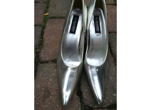 Pair Of Ladies Silver Heeled Shoes Size 7