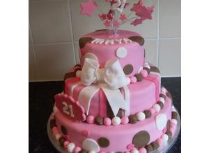 Bespoke cakes, made to order.