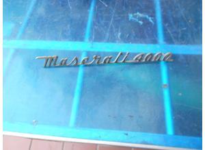 Emblem Maserati 4000