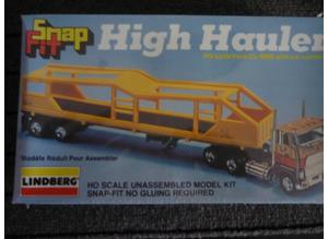 VINTAGE LINDBERG HO SCALE FORD CL-9000 SNAP FIT HIGH HAULER WITH CAR CARRIER MODEL KIT