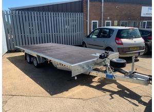 Flatbed trailer transport