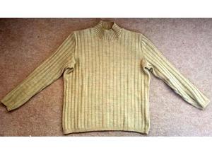 Unusual Girls Sweater in Wool
