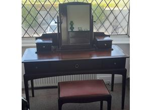 Stag Minstrel dressing Table Ensemble, Excellent Condition