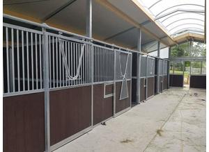 Top quality stables/roundpens made to order