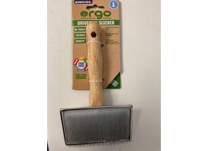 BNWT UNIVERSAL Slicker Brush