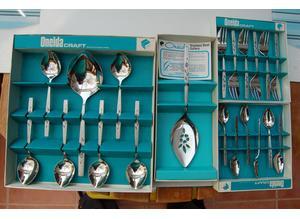 Oneida 'Capistrano' Design Cutlery New Sets in Original Boxes, All in Pristine Condition