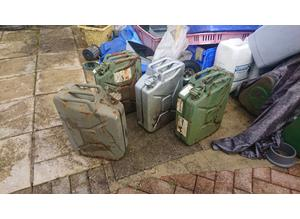 JERRY CANS GREEN SILVER
