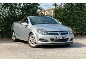 Vauxhall Astra, 2007 (07) Silver Convertible, Manual Diesel, NEW MOT