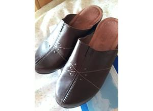 New Fly Flot mules/clogg