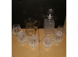 Whitefriars decanter with Edinburgh glasses & crystal jug