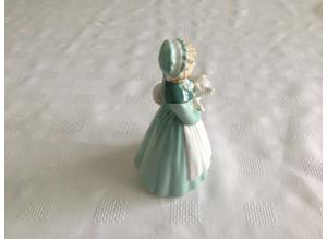 ROYAL DOULTON  Stayed at Home   figurine  HN 2207