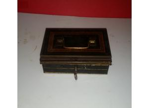 Vintage lockable safe tin