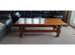 Solid Oak Table, Excellent Condition